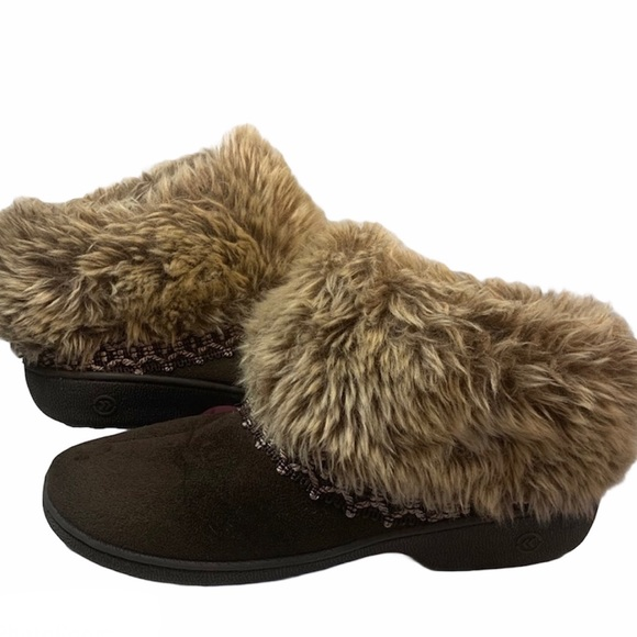 ‼️SOLD‼️Isotoner Indoor Outdoor Faux Fir Slippers